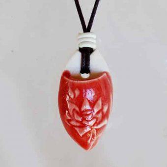 Colar aromático individual modelo flor de lotus cor vermelho