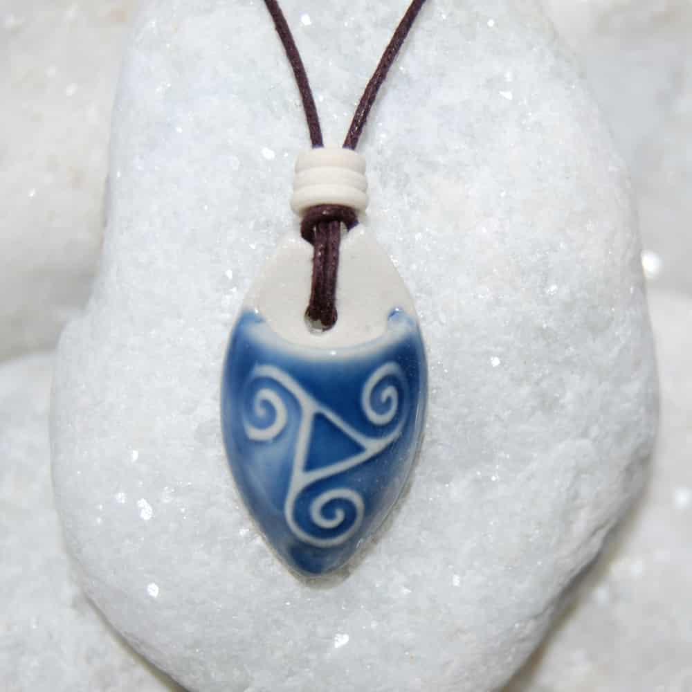 Colar aromático individual aromatico modelo triskel cor azul