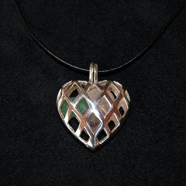 Pingente aromático em prata modelo coração